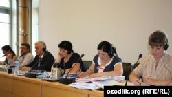 Женевада БМТ Инсон ҳуқуқлари қўмитасининг 114-сессиясида иштирок этаётган Ўзбекистон ҳукумати делегацияси аъзолари.