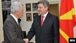 Претседателот Ѓорге Иванов на средба со граѓани во Народната канцеларија во Скопје