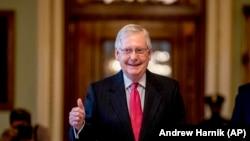 Сенатор Митч МакКоннелл. Вашингтон. 2020-жылдын 25-марты.