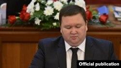 Мирлан Жээнчороев.