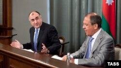 Совместная пресс-конференция Сергея Лаврова (справа) и Эльмара Мамедъярова, Москва, 21 мая 2013 г.
