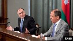 Министр иностранных дел Азербайджана Эльмар Мамедъяров (слева) и министр иностранных дел России Сергей Лавров. Москва, 21 мая 2013 года.