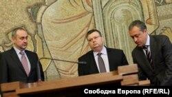 Сотир Цацаров заедно с предшественика си Борис Велчев и Бойко Найденов, който временно ръководеше прокуратурата до встъпването в длъжност на Цацаров на 10 януари 2013 г.