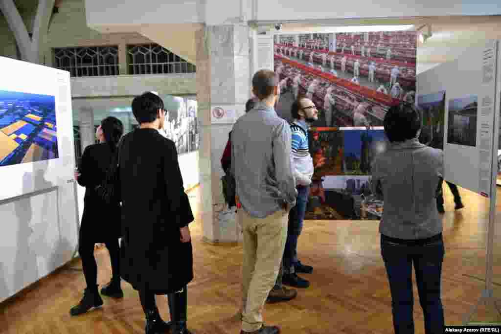 Выставка работ победителей World Press Photo будет работать в Алматы до 13 декабря.