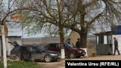 La punctul de trecere spre terenurile agricole Doroțcaia