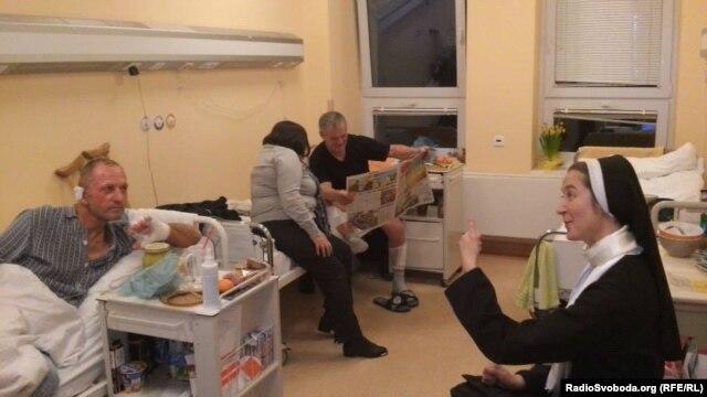 Раненые с украинского Майдана в одной из польских больниц, апрель 2014 года