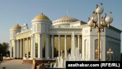 Aşgabadyň Magtymguly adyndaky sazly drama teatry