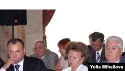 Владимир Воронин (справа) покидает пост президента Молдавии. Политический кризис продолжается?