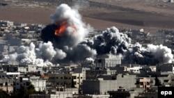 Սիրիա - ԱՄՆ-ի գլխավորած կոալիցիայի օդուժը ռմբակոծում է «Իսլամական պետության» դիրքերը Քոբանի քաղաքում, հոկտեմբեր, 2014թ․
