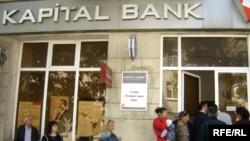 Banklardan bildirirlər ki, müştərilərinin pis vəziyyətə düşməsini istəmirlər