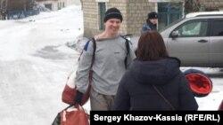 Російський громадський активіст Ільдар Дадін вийшов на свободу, 26 лютого 2017 року, місто Рубцовськ, Алтайський край, Росія