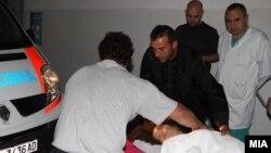 Повредени од сообраќајната несреќа кај кочанското село Оризари се носат во Клиничкиот центар во Скопје.