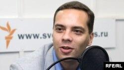 Владимир Милов