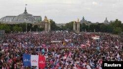 Деомнстрація проти шлюбних прав для гомосексуалів, Париж, 26 травня 2013 року