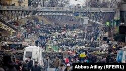Евромайданга чыккан активисттер. 23-февраль, 2014-жыл