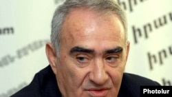 Armenia -- Galust Sahakian, a deputy chairman of the ruling Republican Party, at a news conference.