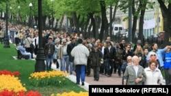 Контрольная прогулка с писателями по бульварам Москвы, 13 мая 2012