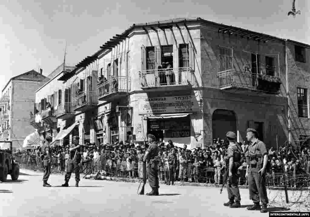 В результаті Ізраїль завдав арабам низку поразок і захопив значну частину територій. Араби перейшли до переговорів, й уклали угоди про перемир'я. Проте, вони мали тимчасовий характер і остаточно не регулювали територіальні питання. Пізніше бойові зіткнення між арабською коаліцією та ізраїльтянами продовжилися і тривають й до нинішнього дня