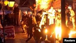 Демонстранттар мен полицияның қақтығысы. Афина, Грекия, 15 шілде 2015 жыл.