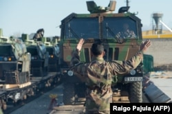 До Естонії прибуває техніка і французькі солдати – для захисту балтійської країни від можливої російської агресії