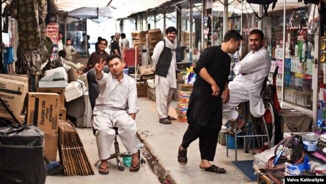 Dari Or Farsi? Afghanistan's Long-Simmering Language Dispute