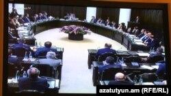 Վարչապետ Կարեն Կարապետյանը վարում է կառավարության նիստը, Երևան, 15-ը սեպտեմբերի, 2016թ․