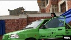 تاکسی های ویژه زنان در تهران پرایدهایی به رنگ سبز فسفری خواهند بود و از ساعت شش صبح تا ده شب، با تلفن، مسافر می پذیرند.