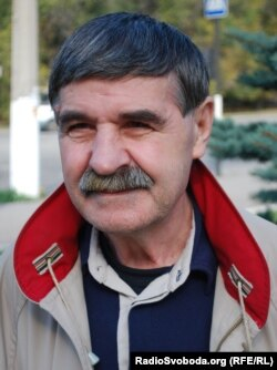 Василь Голобородько, наші дні. До війни на Донбасі поет жив у Луганську, але в 2014 був змушений стати переселенцем