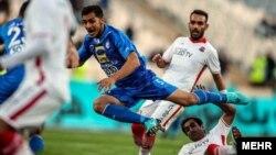 تیم فوتبال استقلال تهران با برتری دو بر یک مقابل نساجی قائمشهر، راهی دور یک چهارم نهایی جام حذفی فوتبال ایران شد.