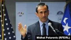 ABŞ Dövlət katibinin Avropa və Avrasiya Məsələləri üzrə yardımçısı Philip Gordon, 14 iyun 2011