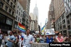 Антон Красовский на акции Gay Pride в Нью-Йорке