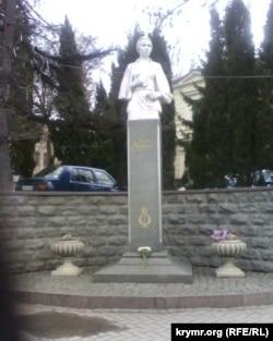 Пам'ятник Лесі Українці у Севастополі, Крим