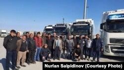 Иранда калган кыргызстандык айдоочулар.