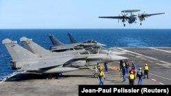 Авіаносець ВМС Франції «Шарль де Голль»