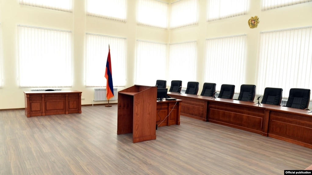 Внеочередное общее собрание судей не состоялось из-за отсутствия кворума