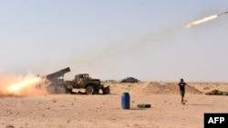 نیروهای ارتش سوریه در روزهای اخیر با حمایت هوایی جنگندههای روسی و توپ و موشکباران این نواحی در حال پیشروی به سوی شهر میادین بودهاند.