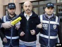 Doktor Yusuf Sonmez uhapšen je u Istanbulu, januar 2011