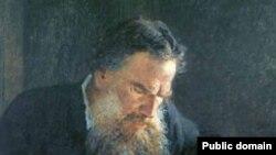 Толстой, подобно Руссо, хотел превратить себя в открытую книгу, в бесконечное письменное самопознание