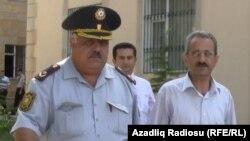 هلال ممداف (راست)
