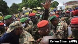 Потполковникот Мамади Думбуја, шеф на специјалните сили на Армијата и водач на пучот, Конакри, 6 септември 2021 година,