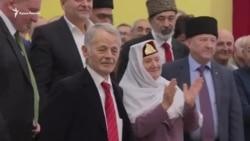 «Угостите нас чебуреками в Крыму». Как Джемилева поздравляли с юбилеем (видео)