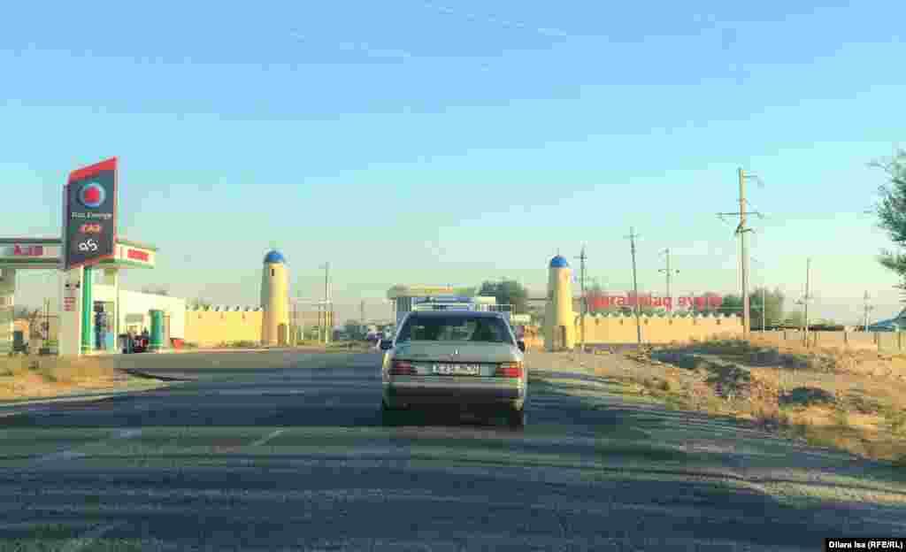 Түркістан облысы Сайрам ауданындағы Қарабұлақ ауылы Шымкенттен 30 шақырым қашықта орналасқан. 15 қыркүйек 2021 жыл.