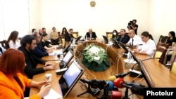 Armenia - A meeting of the Armenian parliament's Committee on State and Legal Affairs, Yerevan, September 10, 2021.