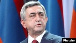 Armenia -- President Serzh Sarkisian speaks at a meeting of his Republican Party, 18Dec2010.