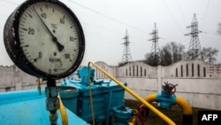 Киев түбіндегі газ станциясы құбырындағы өлшегіш аспап. 4 наурыз 2014 жыл. (Көрнекі сурет)