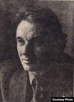 Міхась Стральцоў. 1987 г. Фота Уладзімера Крука. З фондаў БДАМЛМ