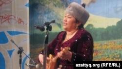 Айтыскер ақын Маржан Есжанова. Алматы, 12 ақпан 2011 жыл.