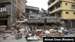 Після першого землетрусу у столиці Катманду, фото 25 квітня 2015 року