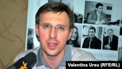 Dorin Chirtoacă în studioul Europei Libere la Chișinău