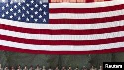 Presidenti i Amerikës Barak Obama duke mbajtur fjalim para trupave ushtarake amerikane që u kthyen nga Iraku.